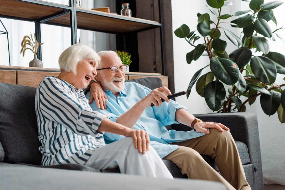 Safe Summer Activities for Seniors with Dementia