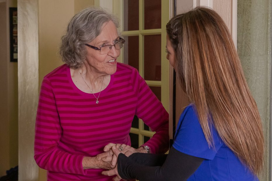How to introduce a caregiver to senior loved ones